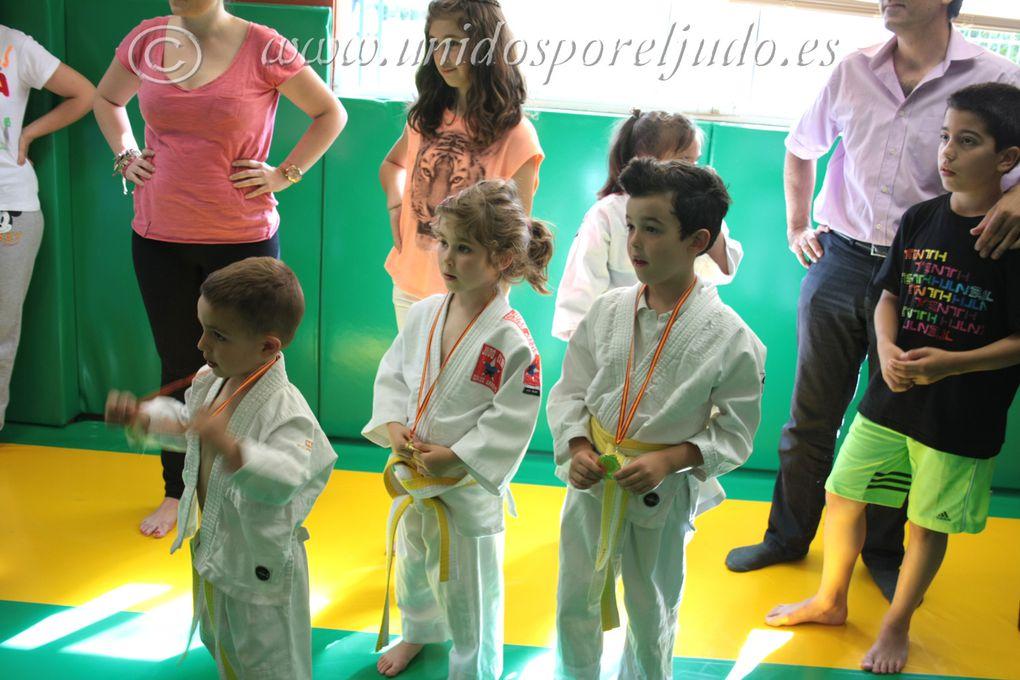 Fantástica clase donde los pequeños campeones le dieron una clase magistral a sus padres