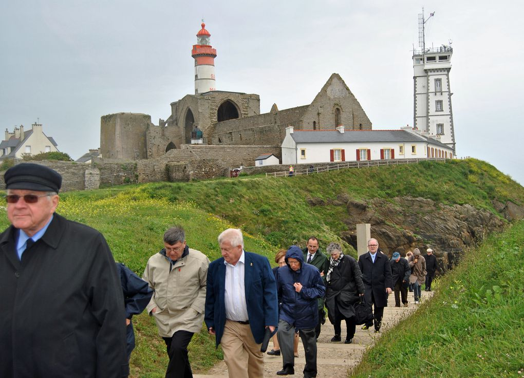 Mercredi 6 juin 2012 - visite des membres de l'Académie de Marine au Mémorial National des marins morts pour la France de la Pointe Saint Mathieu en Plougonvelin (Pays d'Iroise) Photographies : Gilbert Kervran (association Aux Marins)