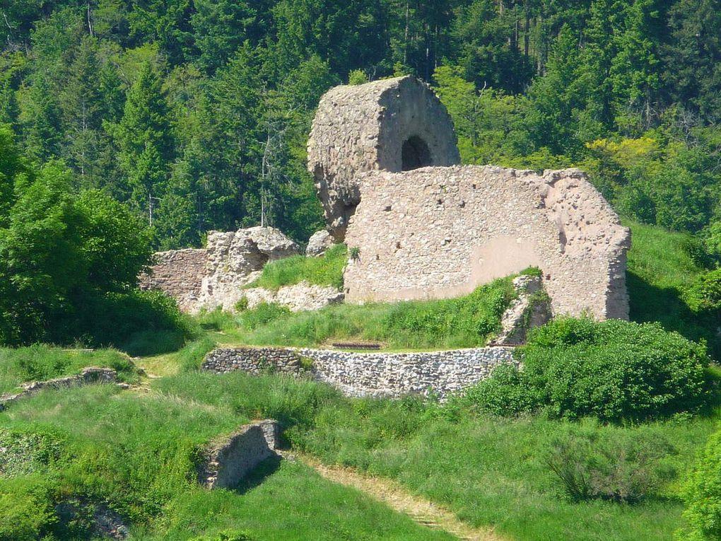 Château fort de l'Engelbourg, la sentinelle de la vallé de la Thur.