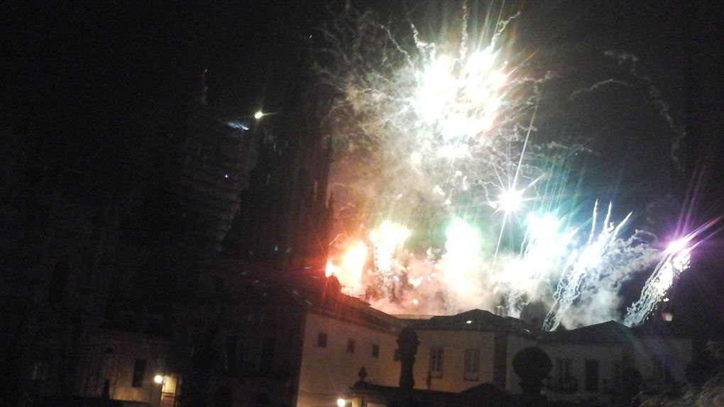 Santiago de Compostela du jour à la nuit.