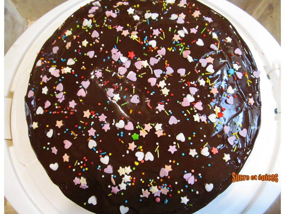 Gâteau au chocolat avec glaçage - Recette facile