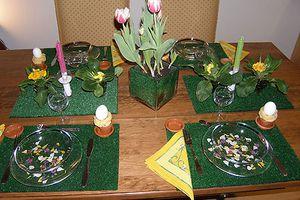 """Pâques/ idée de table & mini zoom sur les coutumes de nos voisins + vidéo """"art floral"""""""