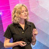 Wikipédia : Katherine Maher quittera en avril la direction de la fondation Wikimedia