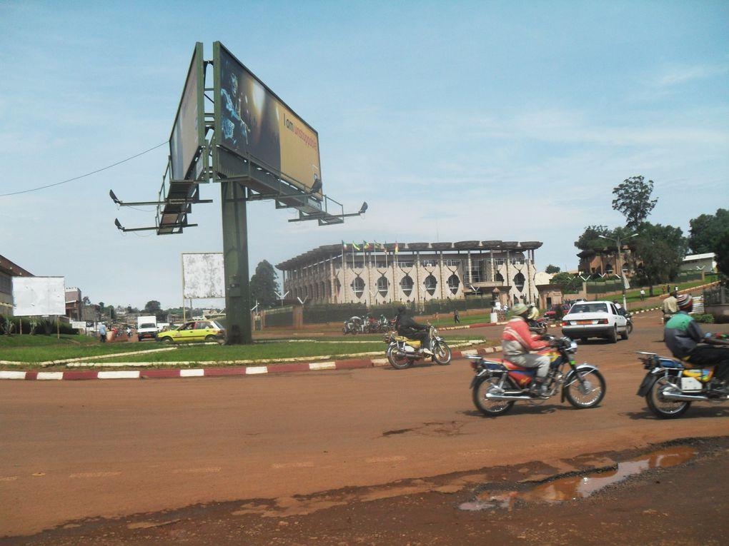 Imágenes de Bafoussam, Camerún.- El Muni.