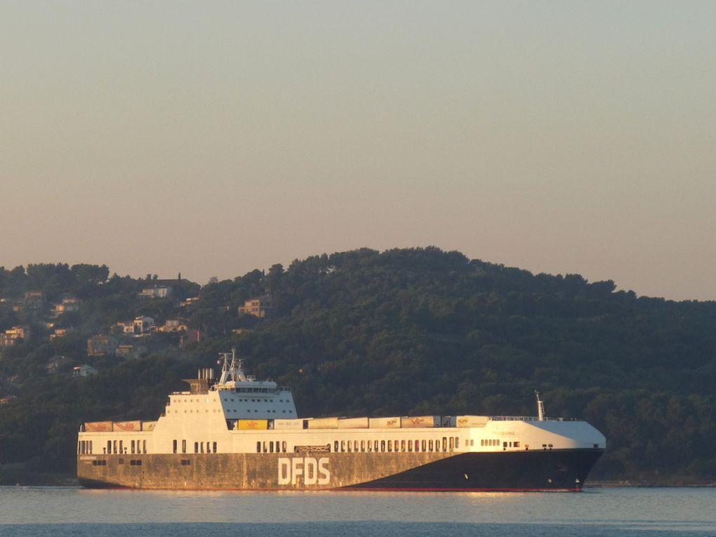 UN KARADENIZ  , nouvel armement (DFDS)arrivant a Toulon / Brégaillon le 21 octobre 2018