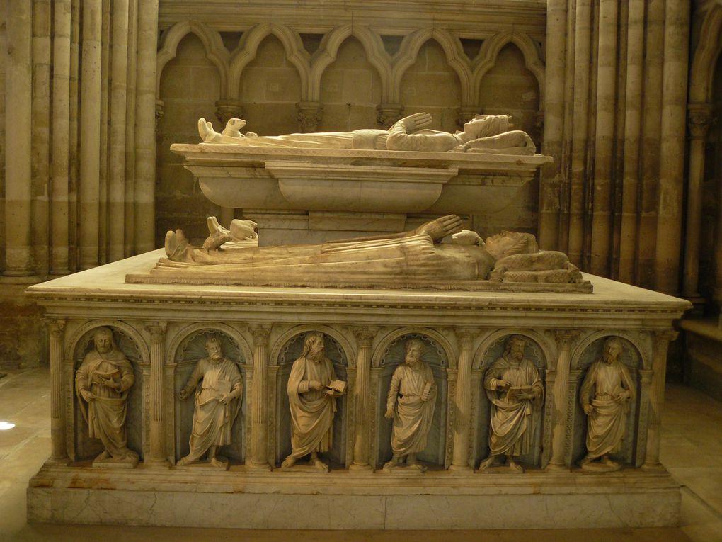 vues de l'intérieur de la basilique de St-Denis.