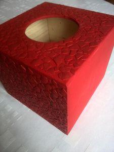 boite à mouchoir décorée en coquilles d'oeuf