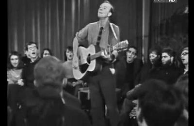 "Pete Seeger chantait "" We shall overcome"" en RDA à Berlin en 1967"