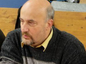 Monsieur Frédéric Drevet, maire de Bains les Bains est arrivé, le repas peut comencer