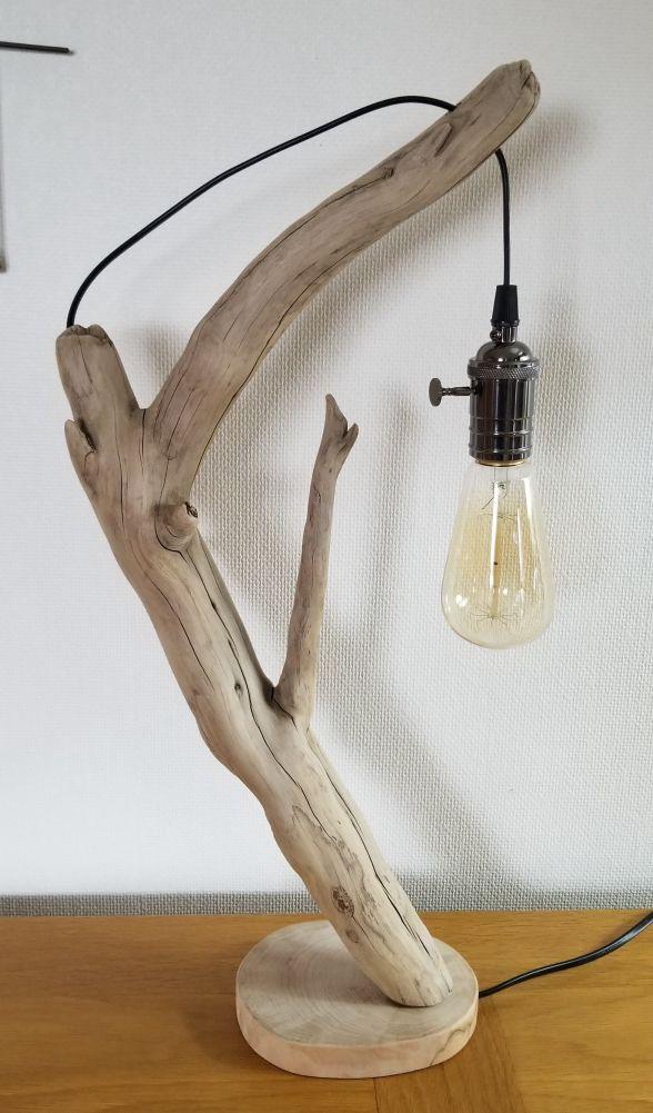 Lampe en bois flotté fil caché dans la branche et le socle !