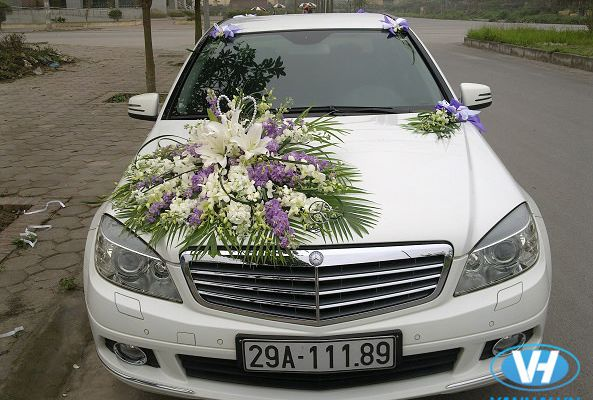 Địa chỉ cho thuê xe cưới Mercedes E250 giá rẻ nhất tại quận Nam Từ Liêm