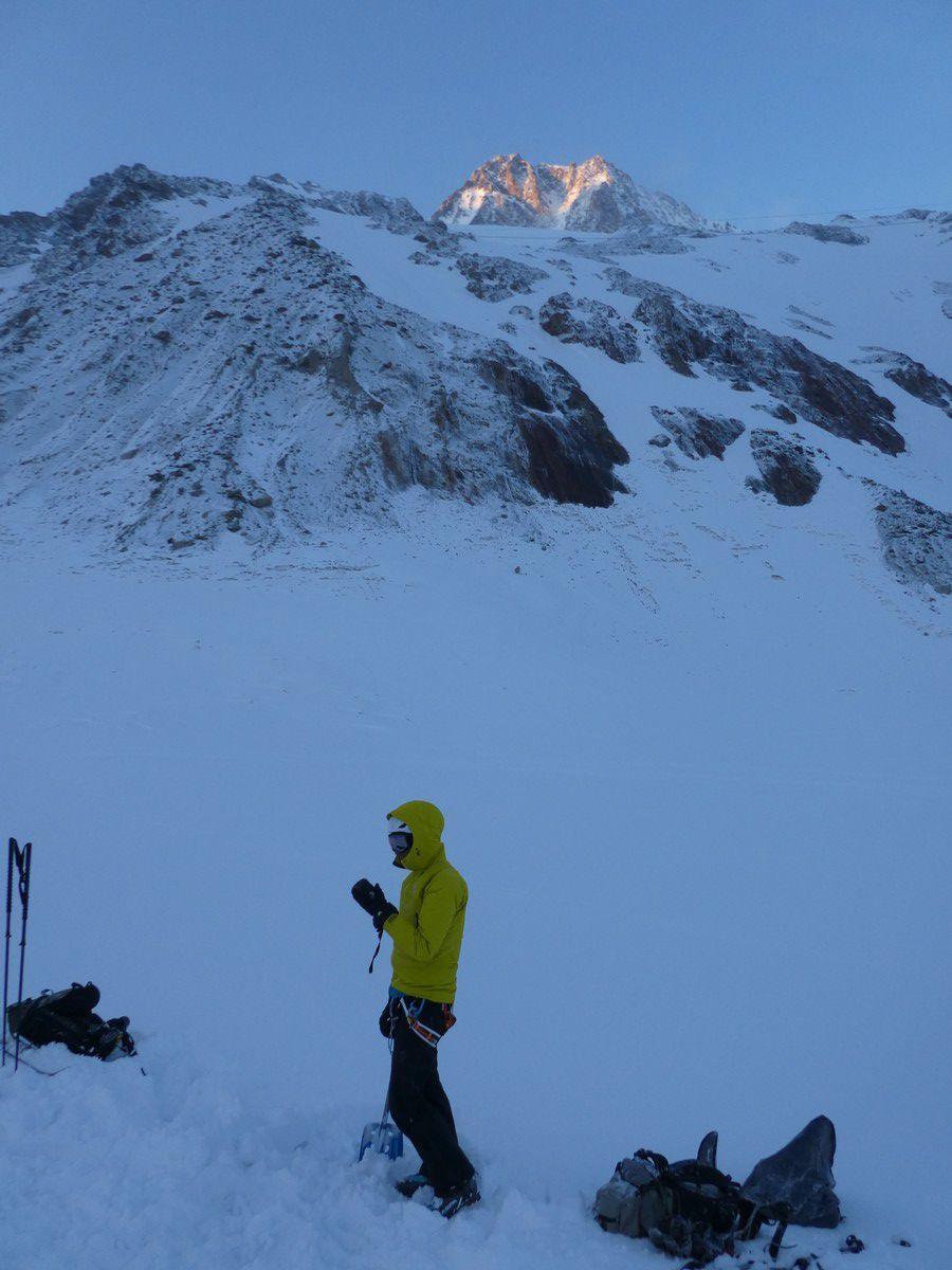 Ski de randonnée : Grosses Fiescherhorn 4049 m - nuit en igloo