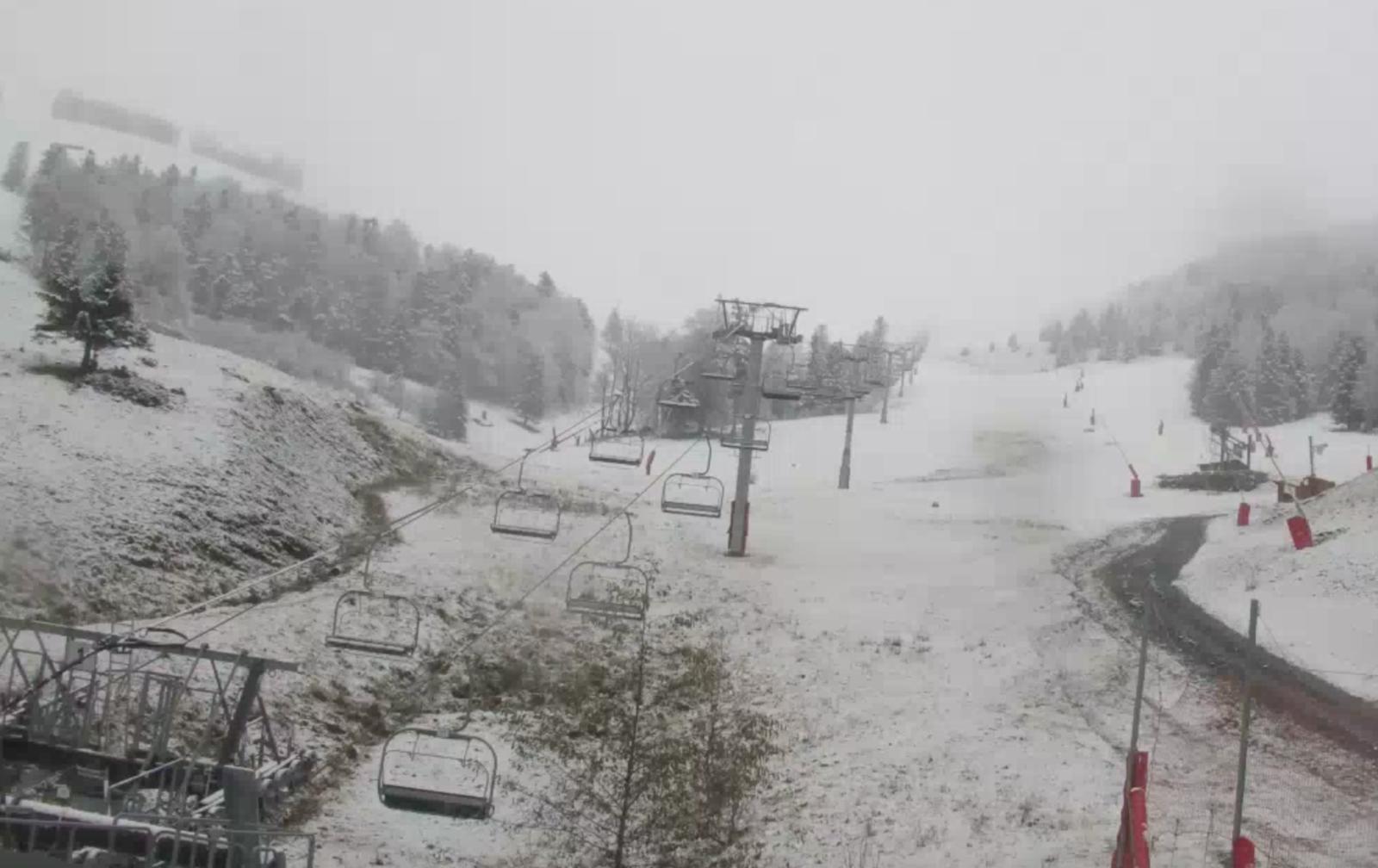 """Luchon-Superbagnères : pas de """"confinement""""... pour la neige !"""