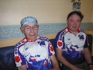 Claude à gauche.
