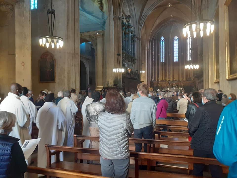MESSE CHRISMALE À LA CATHÉDRALE D'AIX