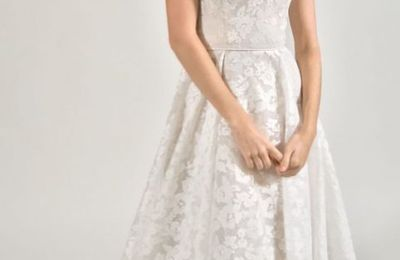 Useful Tips to Keep the Strapless Gown From Falling Down