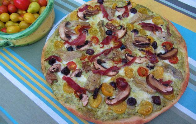 Pizza à l'artichaut et aux tomates cerises