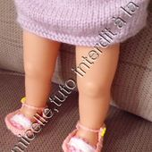 tuto gratuit poupée , en photos : sandales au ruban et tricot - Chez Laramicelle
