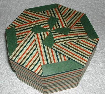 Tuto pour une boîte au couvercle origami (3) ...