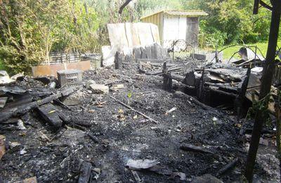 La cabane en cendres, le torchon qui brûle...