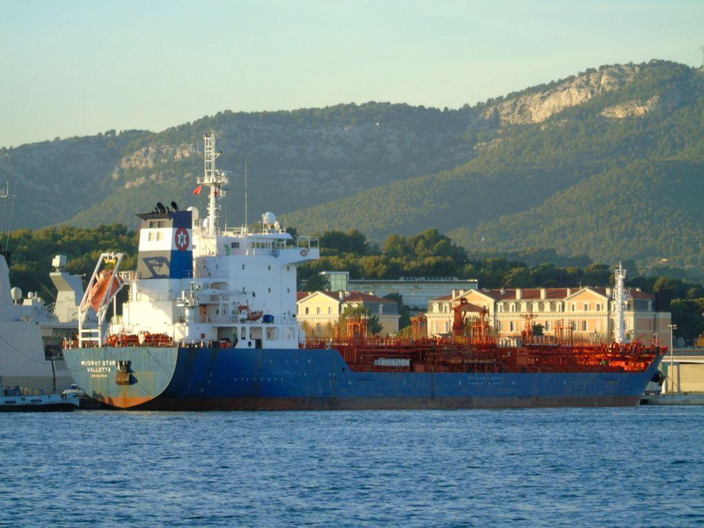 MURRAY STAR , arrivant  et à quai à Toulon le 28 novembre 2018