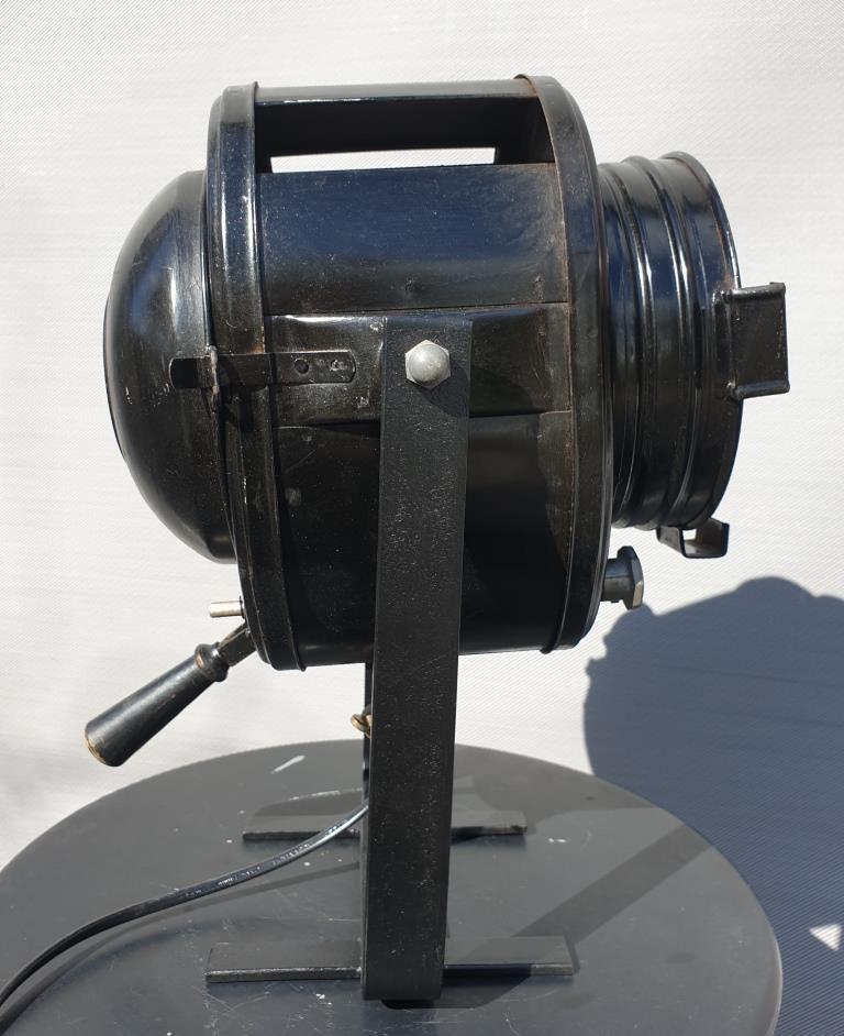 Projecteur Cremer D70 poignée bois laquée noire - 400 euros