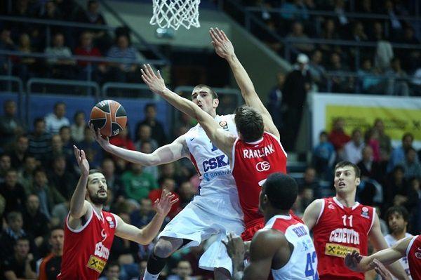 Nando De Colo brille avec le CSKA, Vassilis Spanoulis et Thomas Heurtel prennent feu
