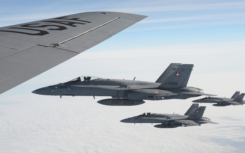 DOSSIER (1/2) : Quel futur avion de combat pour la Suisse ?