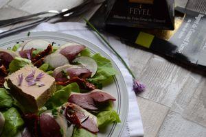 Salade aux magrets de canard fumés foie gras Feyel
