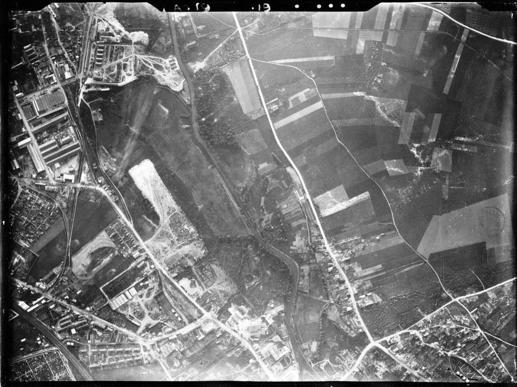 Clichés aériens exécutés pour l'établissement du plan photographique de la Ville d'Arras, septembre 1923 (sélection) - Clichés par l'Entreprise de plans par la photographie aérienne Marcel Chrétien - source : Médiathèque municipale