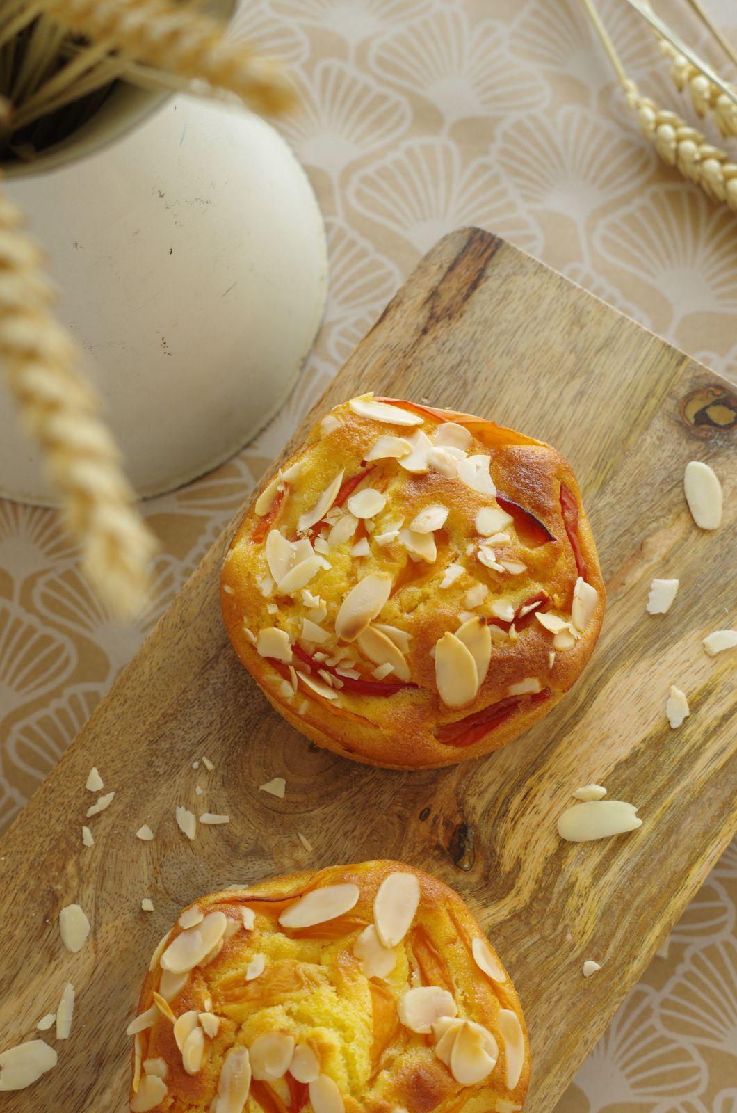Moelleux aux abricots et amandes effilées