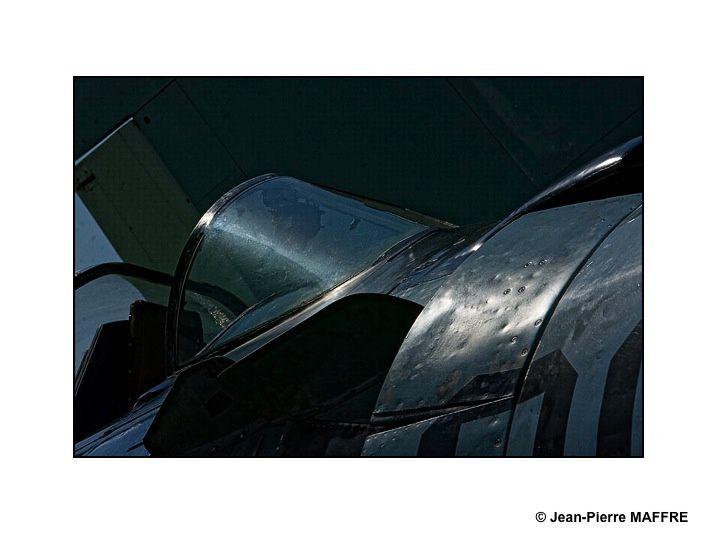 Du soleil, un beau ciel, que peut-on espérer de mieux pour réussir ses photos d'avions.