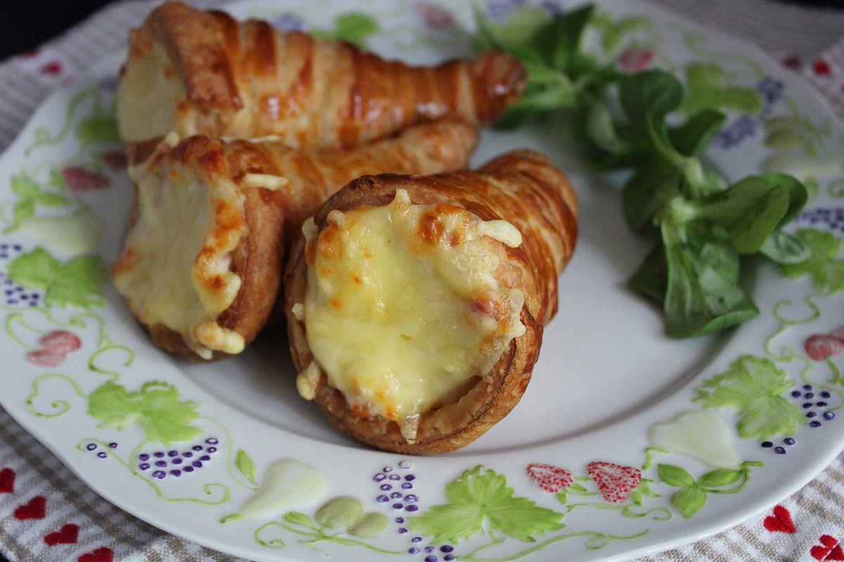 Cornets feuilletés au jambon et fromage