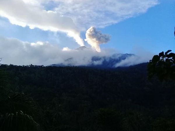 Karangetang - activity from 26.11.2018 / 7h03 & 7h52 / Magma Indonesia and from 27.11.2018 / Tris Tawera Bawole via Facebook - one click to enlarge .