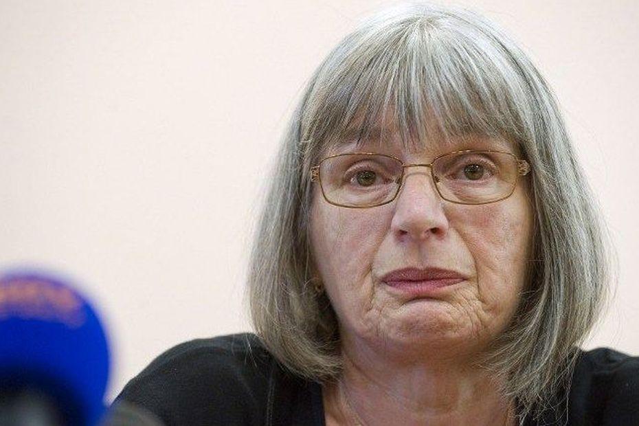 Marie-Rose Blétry, la mère de Christelle, a tenu une conférence de presse vendredi 12 septembre 2014 suite à l'annonce de l'arrestation du meurtrier présumé de sa fille, tuée en 1996. • © AFP PHOTO/THIERRY ZOCCOLAN