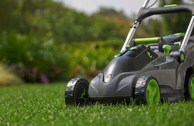 Need To Know About Electric Powered Lawnmowers Vs. Gas Mowers