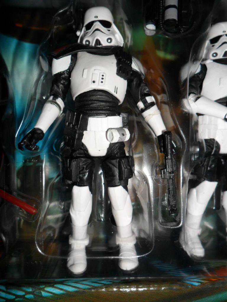 Collection n°182: janosolo kenner hasbro - Page 17 Image%2F1409024%2F20201221%2Fob_1229cd_imperial-navy-commando-officer