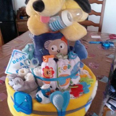 Je créé des gâteaux de couches pour offrir lors d'une naissance : cadeau original ! ! !
