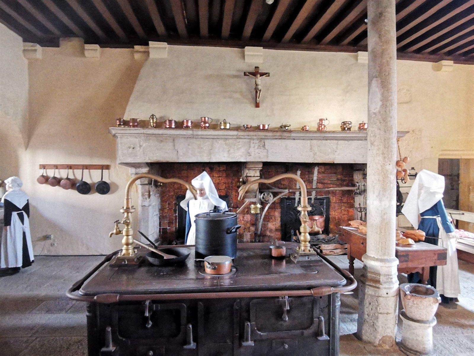 Voyage en Bourgogne par Jacqueline Apollonio notre ambassadrice sud-est. ( partie 1/ 2)