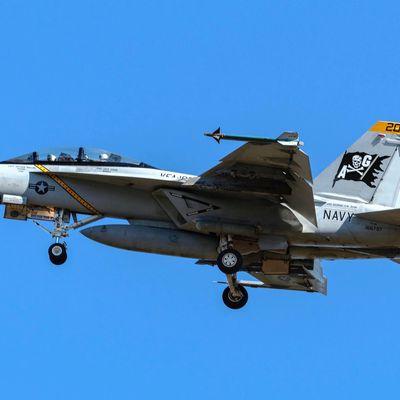 "Boeing F/A-18F ""Super Hornet"" - Strike Fighter Squadron 103 (VFA-103) ""Jolly Rogers"" - CAG bird 2021"