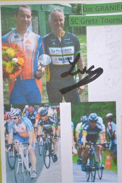 Dédicace de Luc GRANIER après la course, sur les photos du 31 juillet.