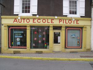 N° 6 rue Jean Burger à Algrange - Marchand de bois - Épicerie - Fleuriste - Charbons et fuel - Auto-école