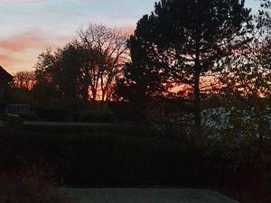 Au pays du soleil couchant !, Russin et St Julien