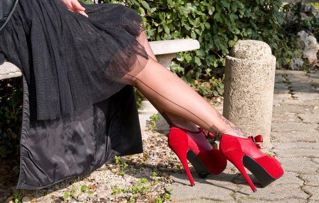 Talons rouges et bas couture