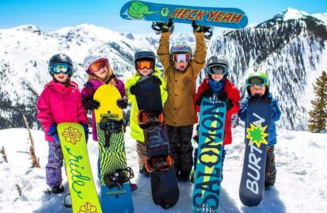 Choosing a Kids' Snowboard with All the Right Features