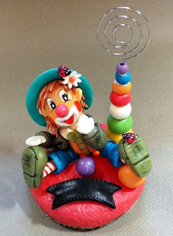 Porte-photos avec clown en porcelaine froide