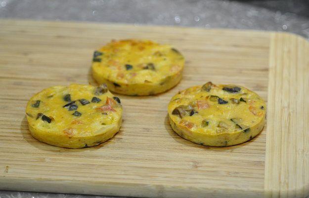 Quiche sans pâte aux petits légumes et à la mozzarella