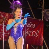 Soirée cabaret...dans une fête de quartier à Chanthaburi - Noy et Gilbert en Thaïlande