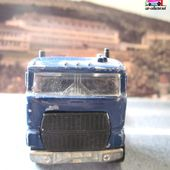 FORD STAKE BED TRUCK HOT WHEELS 1/64 - car-collector