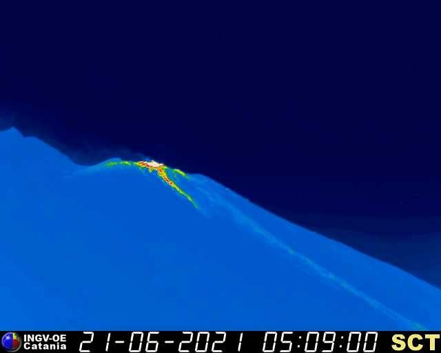 Stromboli - trace of the cooling lava flow on 06.21.2021 / 05.59 a.m. - INGV webcam